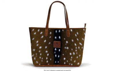 the-savannah-zippered-tote-hd-axis-crest