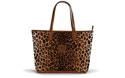 the-savannah-zippered-tote-leopard-print-crest