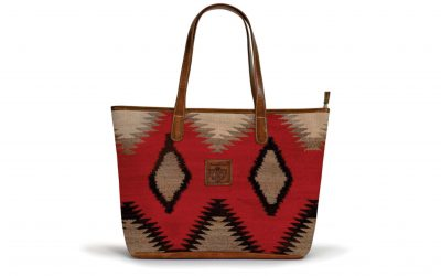 the-savannah-zippered-tote-navajo-messa-crest